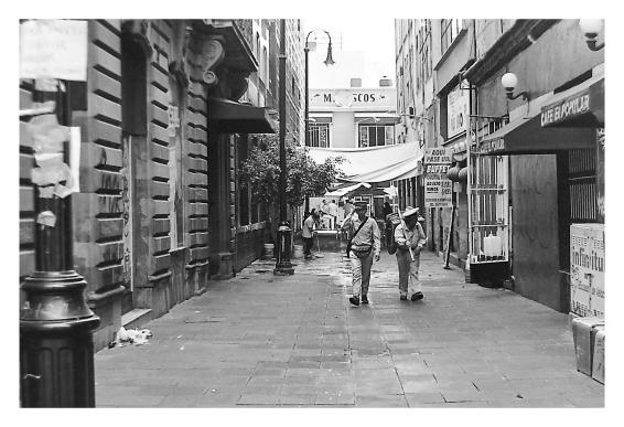 organilleros en callejon
